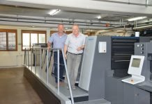 The world's first Speedmaster XL 75 five-color press with coating unit and new design was recently installed at Theiler Druck AG. Michel Schwander (right), General Manager, and Philipp Theiler, owner and publisher confirm that operation is now much more comfortable.