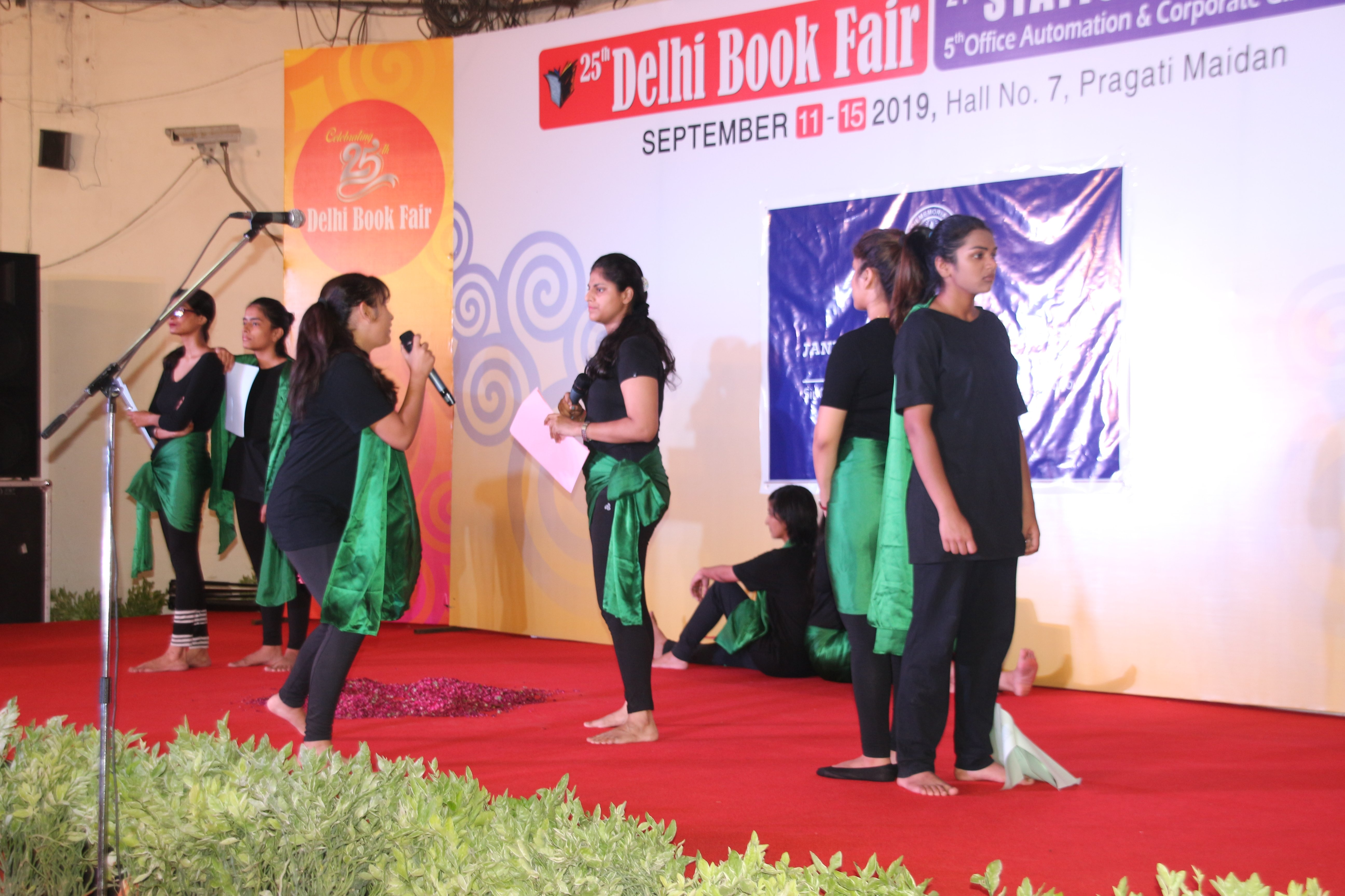 A drama performance during the book fair by students. Photo IPP