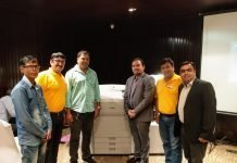 Deepak Shetty of Print India (third from left) with the Edifice and Canon teams at the roadshow. Photo IPP