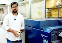 Manjunath Kalgi, proprietor of Somu Digital and Somu Photo Lab with the new bizhub Press C1100